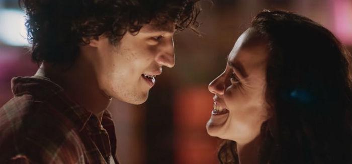 """""""Eduardo e Mônica"""", filme inspirado na Legião Urbana, ganha data de estreia"""