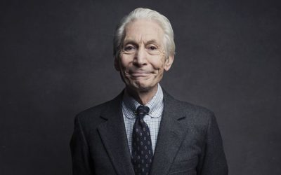 Charlie Watts, baterista dos Rolling Stones, morre aos 80 anos